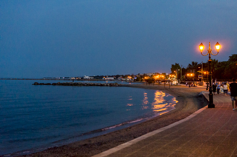 nea makri promenade by night