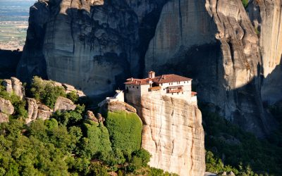 How To Visit the Meteora Monasteries – Organized Tours or Self-Guided Visits?