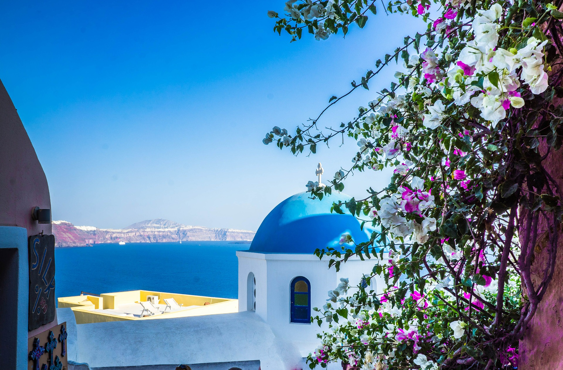 santorini blue white architecture