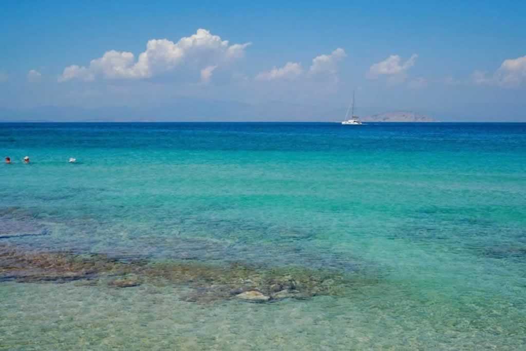 Turquiose sea around Agistri
