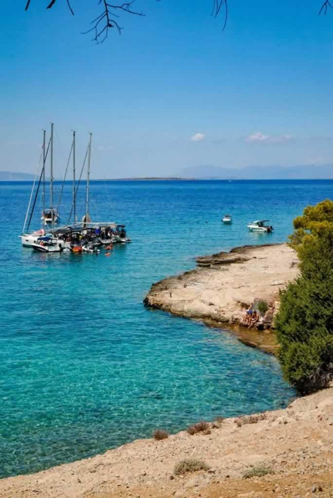 moni island paradise