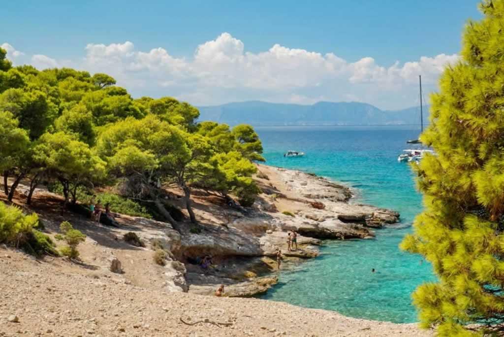 moni island secret beach