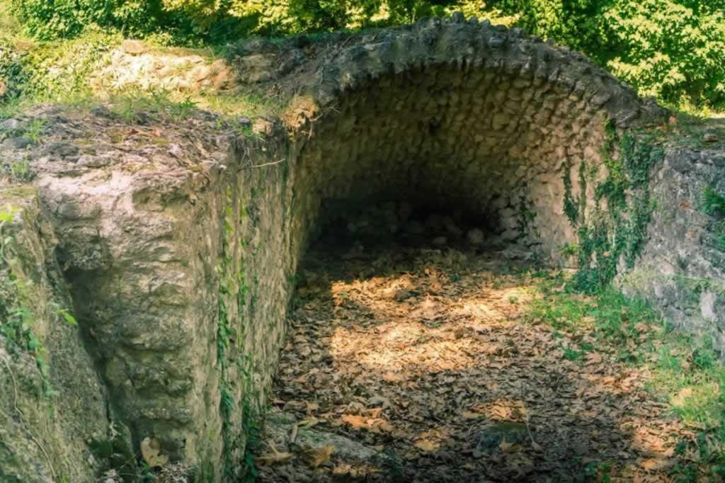 dion ruins bricks