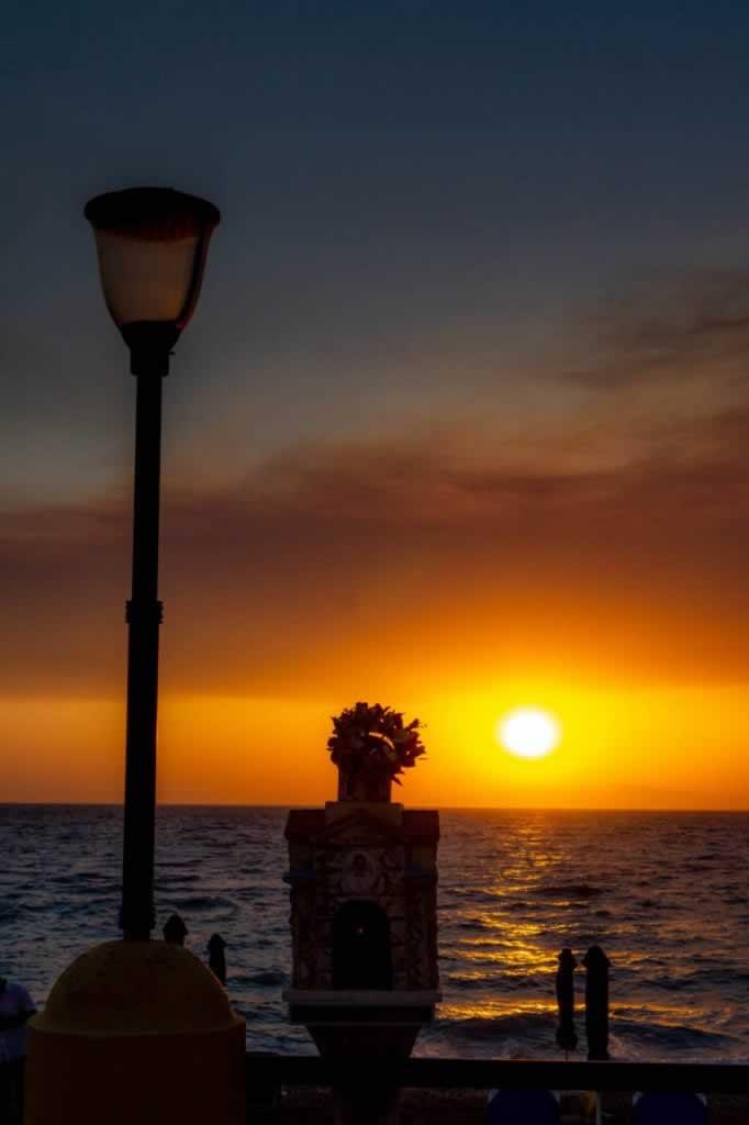 rhodes sunset shrine lamp post