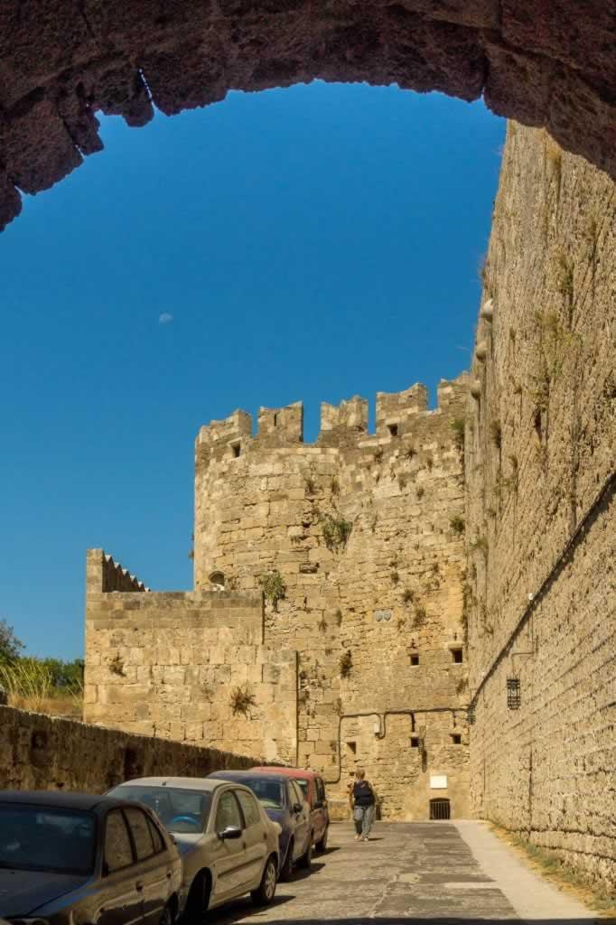 rhodes citadel gate moon